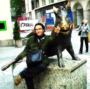 Schwein München Yehuda Shenef