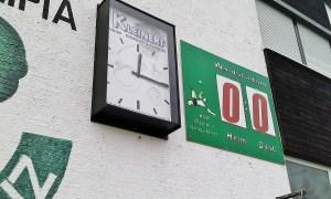 BSK OLympia Neugablonz Waldstadion Uhr Anzeigetafel